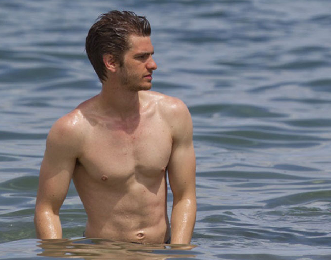 Andrew Garfield almost naked - The Male Fappening