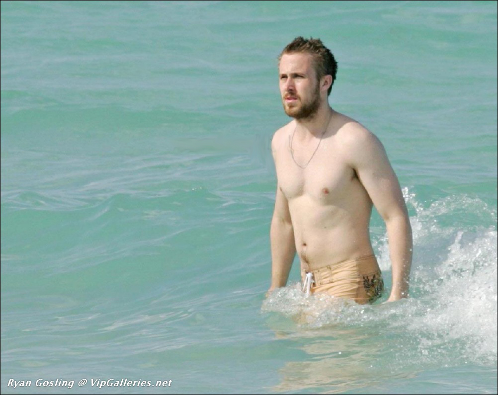 Ryan Gosling – The Male Fappening