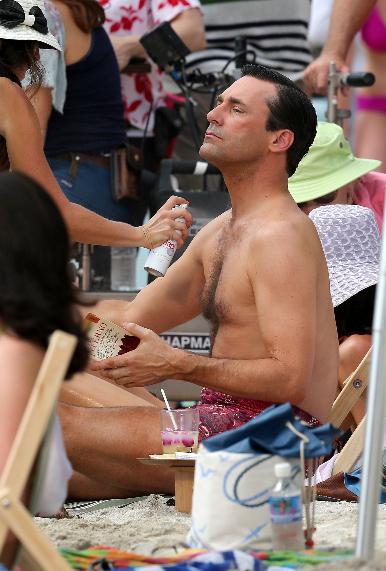 "Semi-Exclusive... Jon Hamm & Jessica Pare Film ""Mad Men"" In Hawaii"