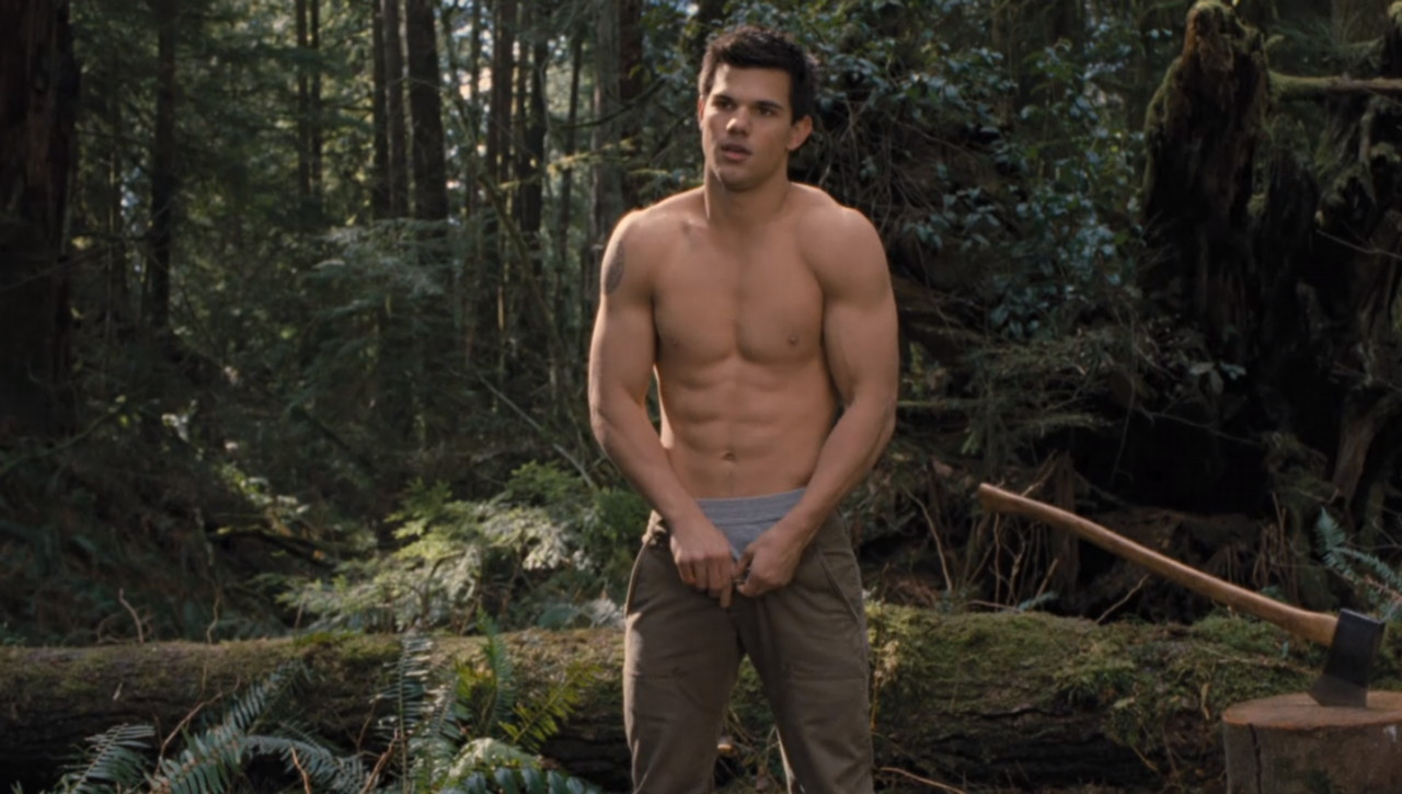 taylor lautner shirtless breaking dawn part 2