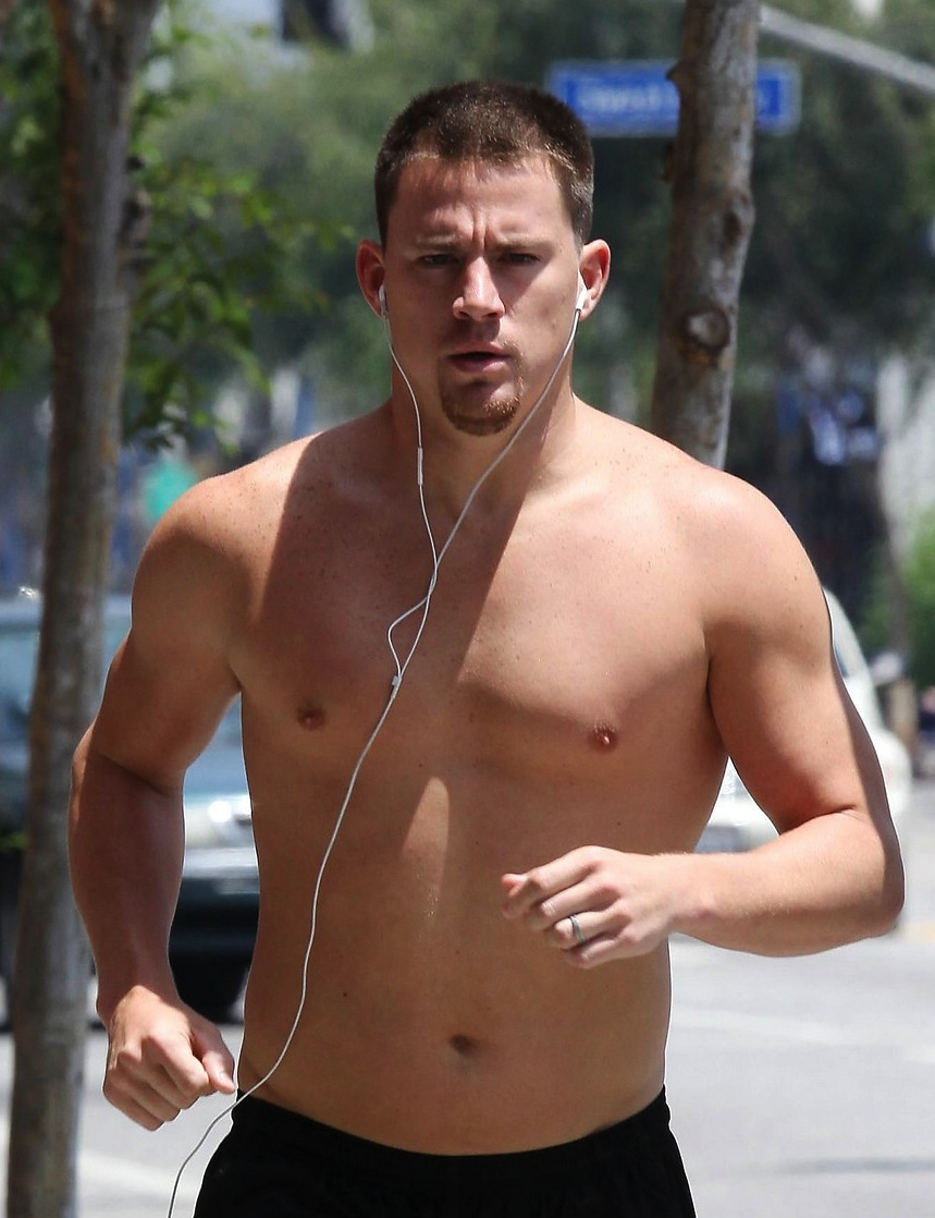 channing-tatum-shirtless-people-sexiest-man-alive-6