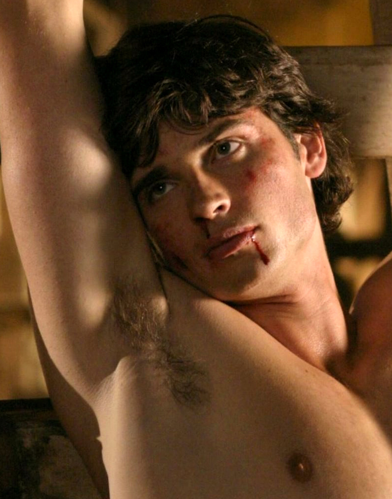 tom-welling-nude-photos-nude-tattooed-girls-in-mirror