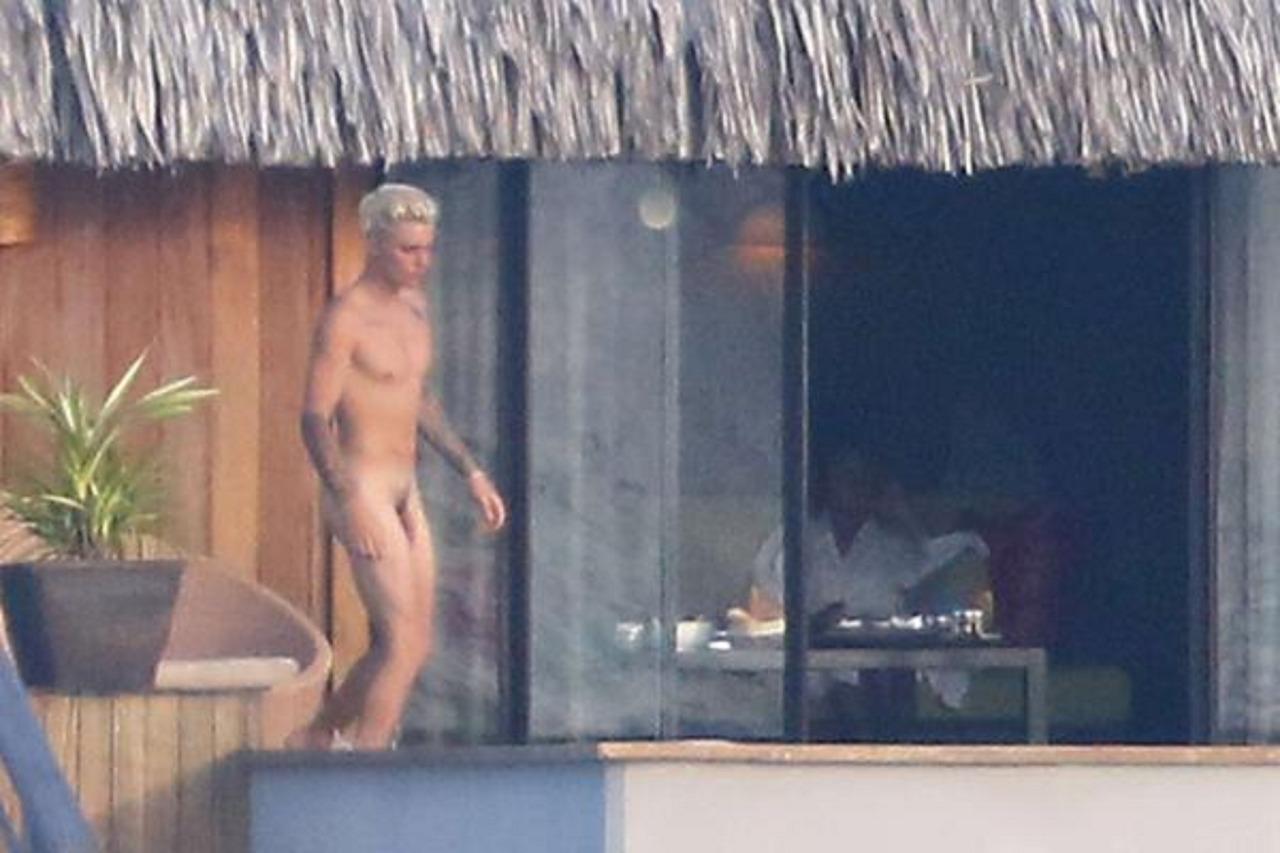 Justin Bieber nude at bora bora