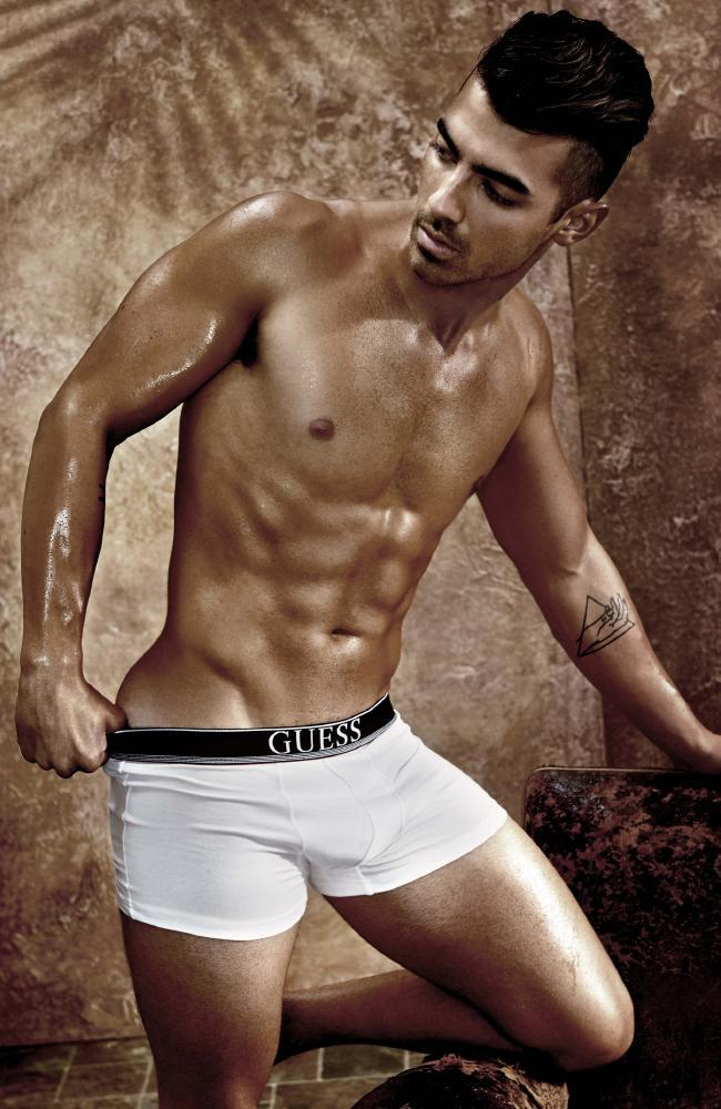 Joe Jonas And His Impressive Oily Body - The Male Fappening