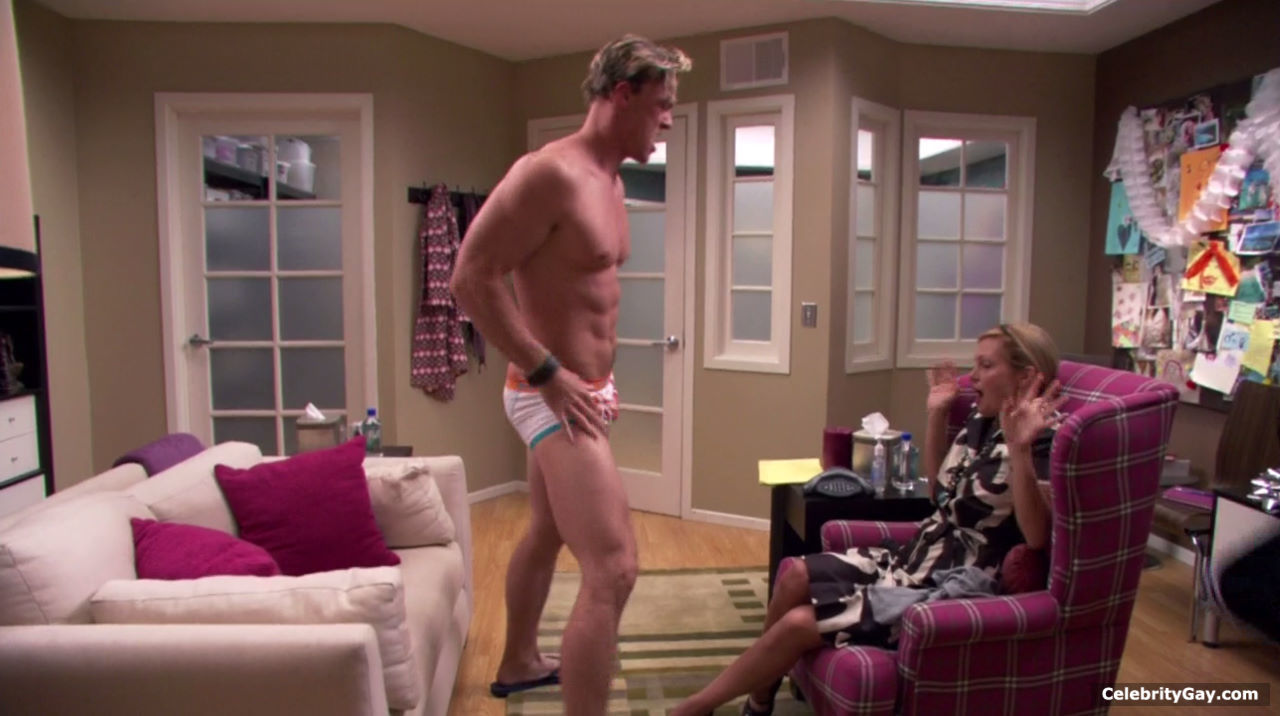 alan ritchson nude