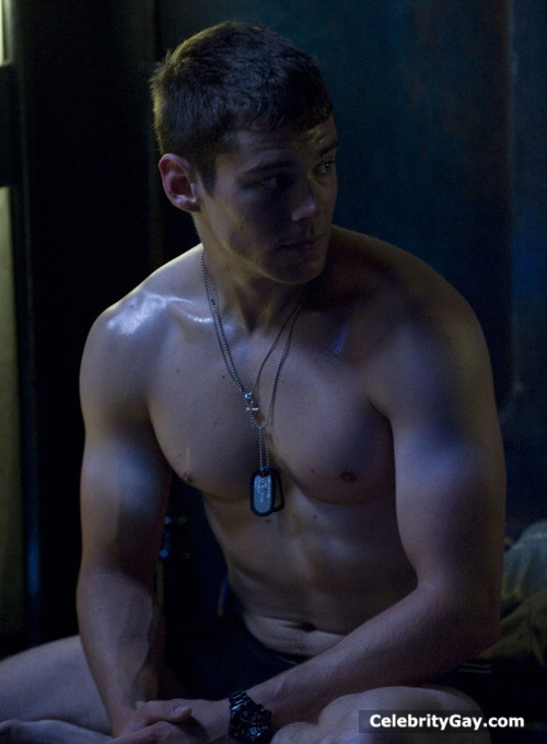 Brian J Smith Sexy (5 Photos) - The Male Fappening