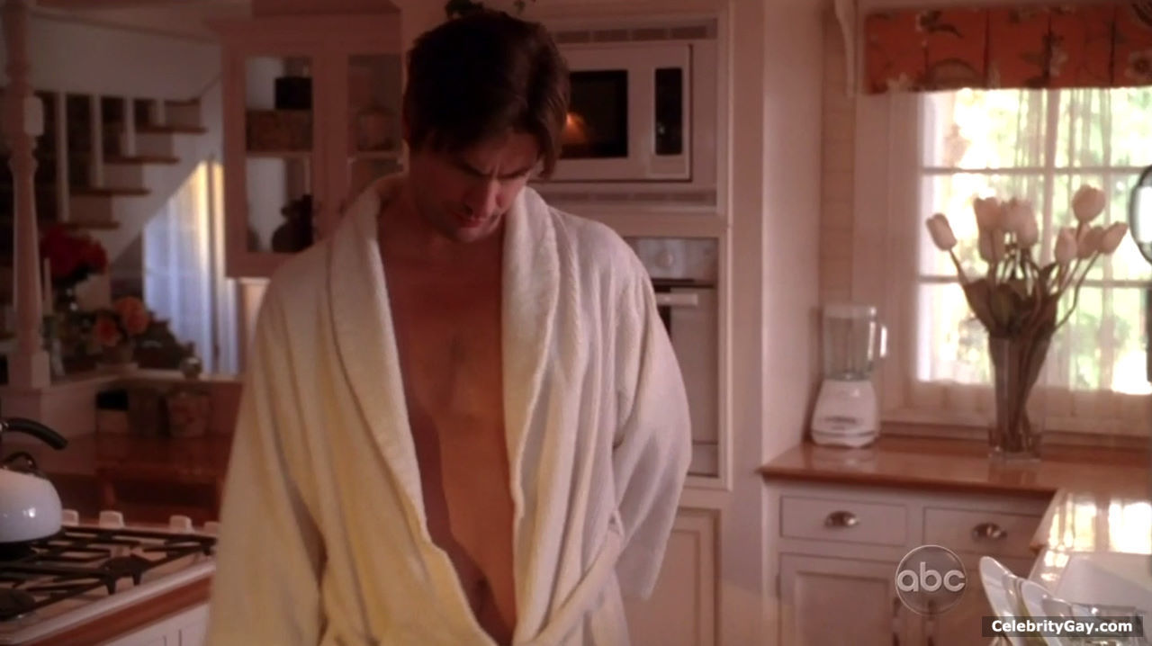 A nice selection of nude Gale Harold pictures in high quality. This stud  right here is one of the hottest/most underrated guys on our website.