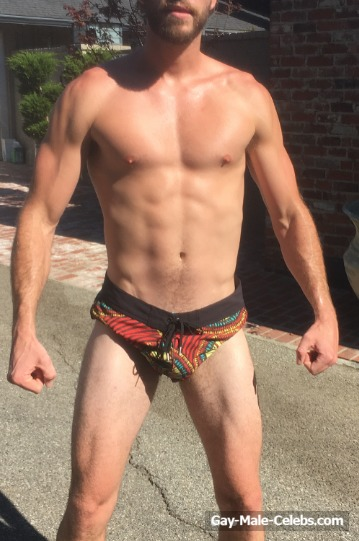 Liam Hemsworth naked - The Male Fappening