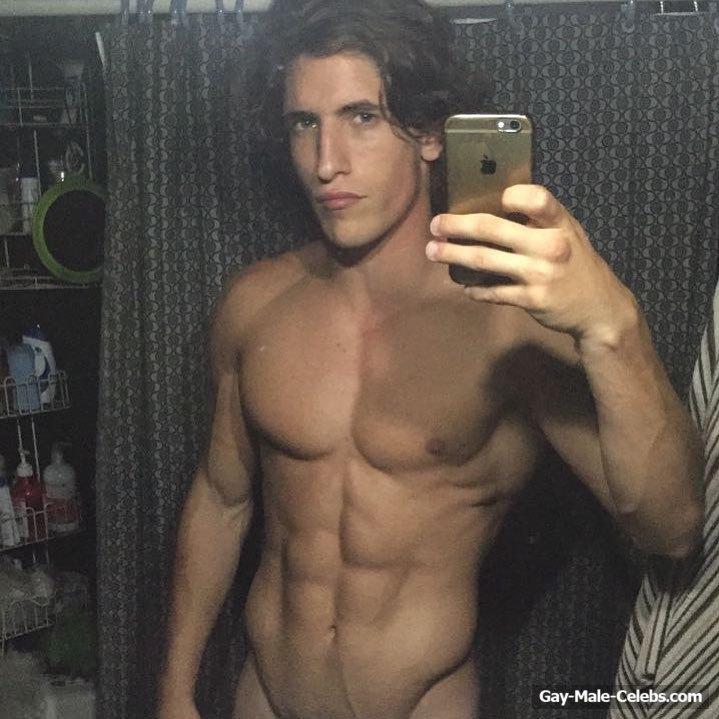Agustin Gonzalez Del Solar Naked (5 Photos)
