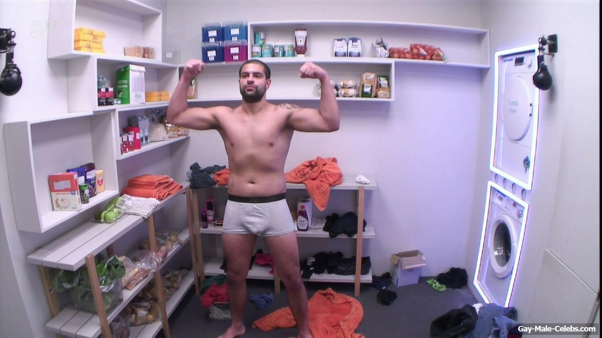 Akeem Griffiths Sexy (4 Photos)