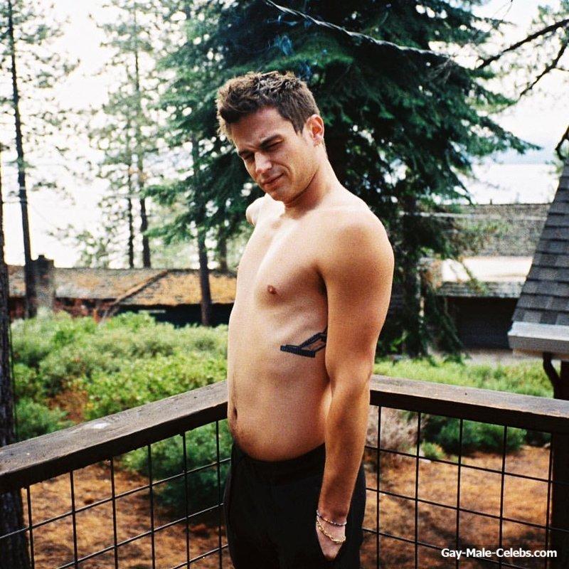 Brandon Flynn Shirtless (5 Photos)