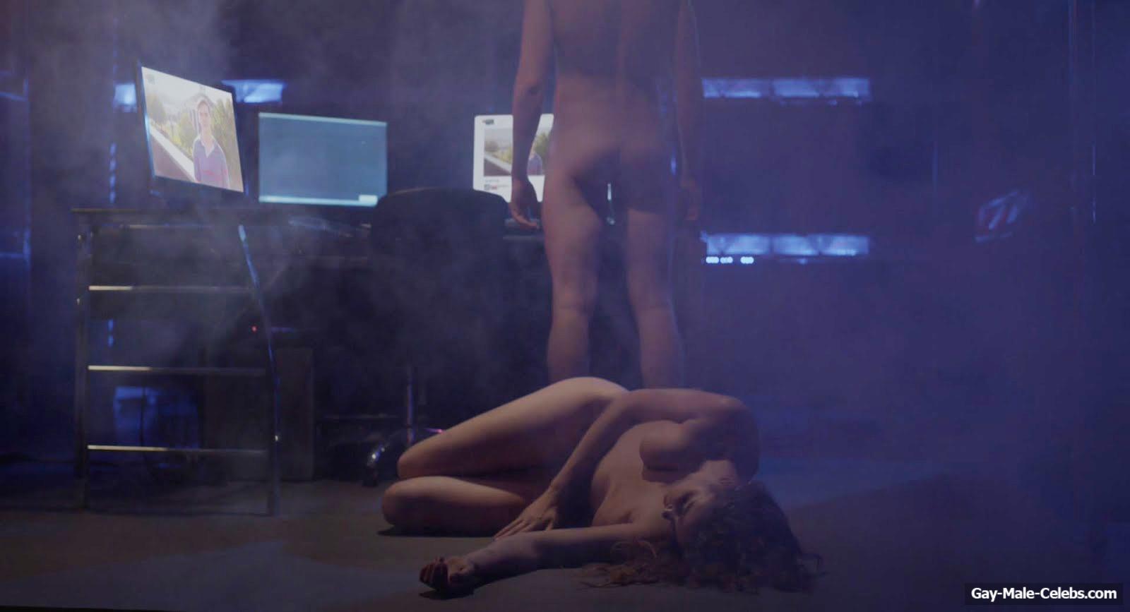 Courtney Sands  nackt