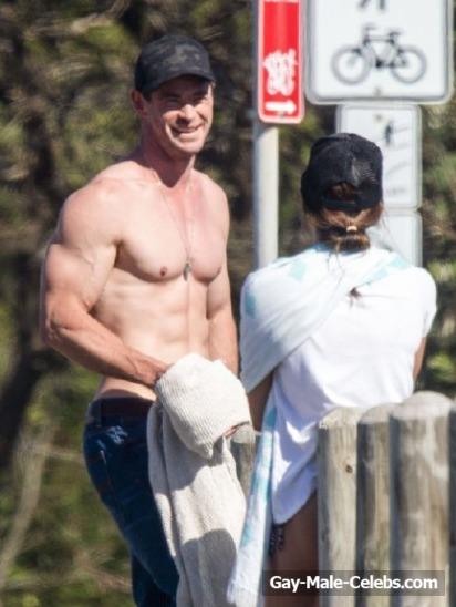 BoxOfficeBenful: LIAM HEMSWORTH shirtless e sexy nellle