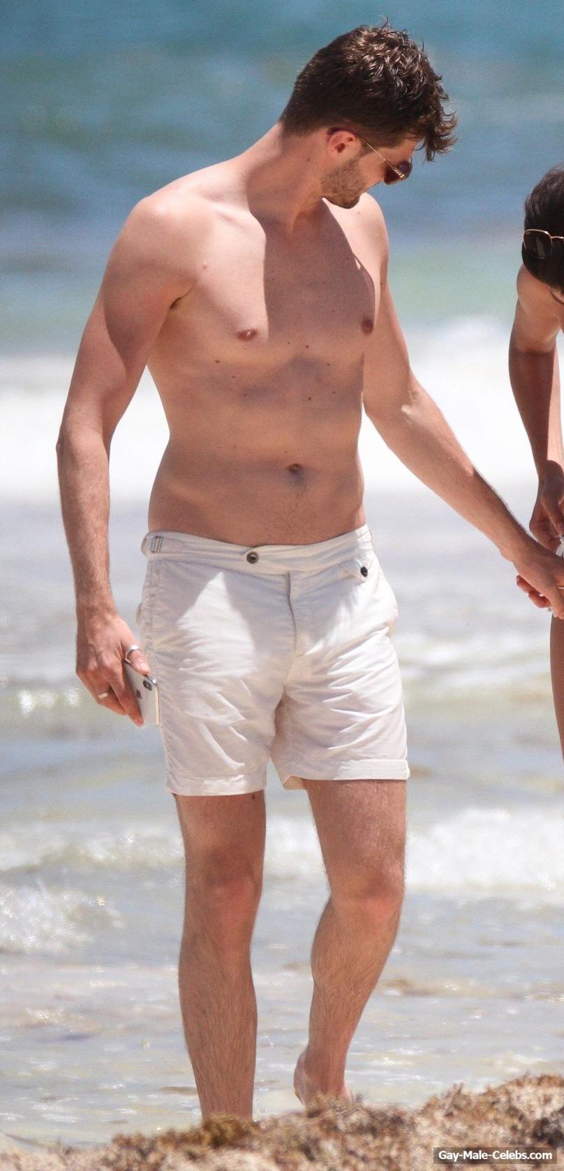 Jim Chapman Sexy (4 Photos)