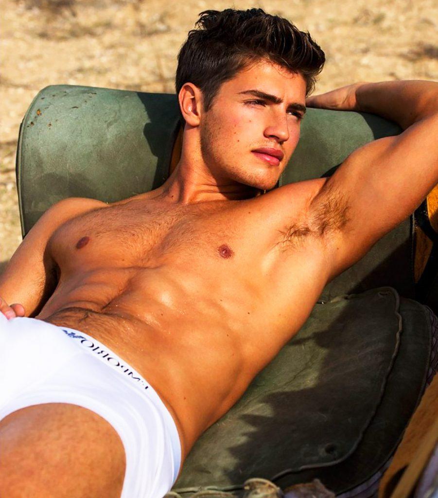 Gregg Sulkin Sexy (1 Photo)
