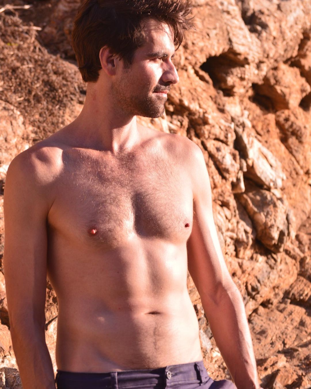 Matthew McKelligon Shirtless (1 Photo)