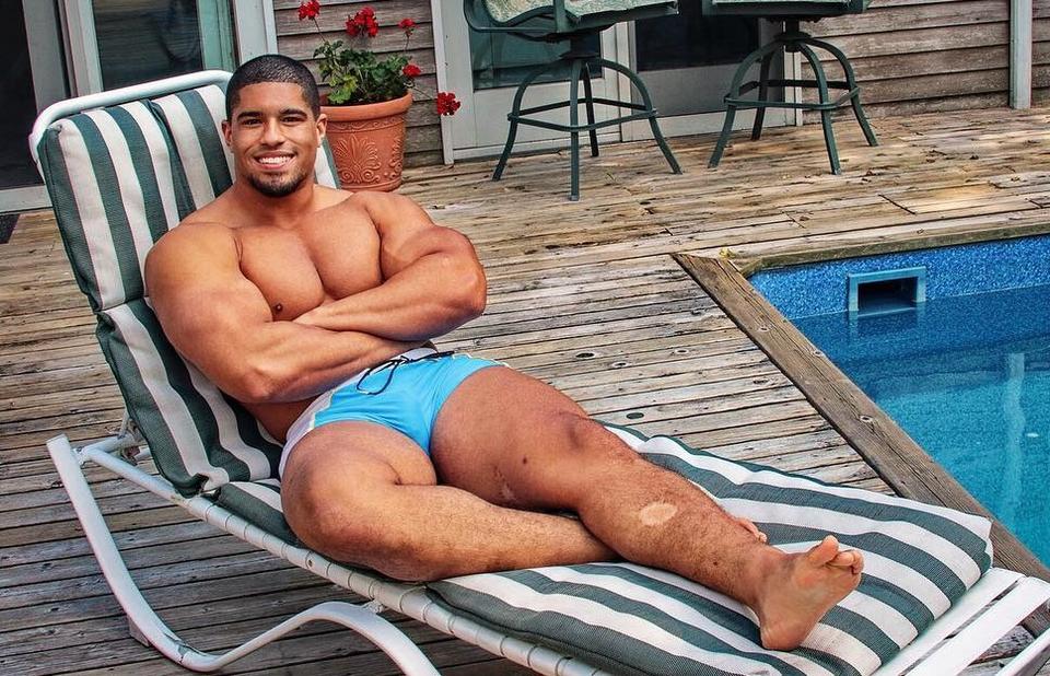 Anthony Bowens Sexy (1 Photo)