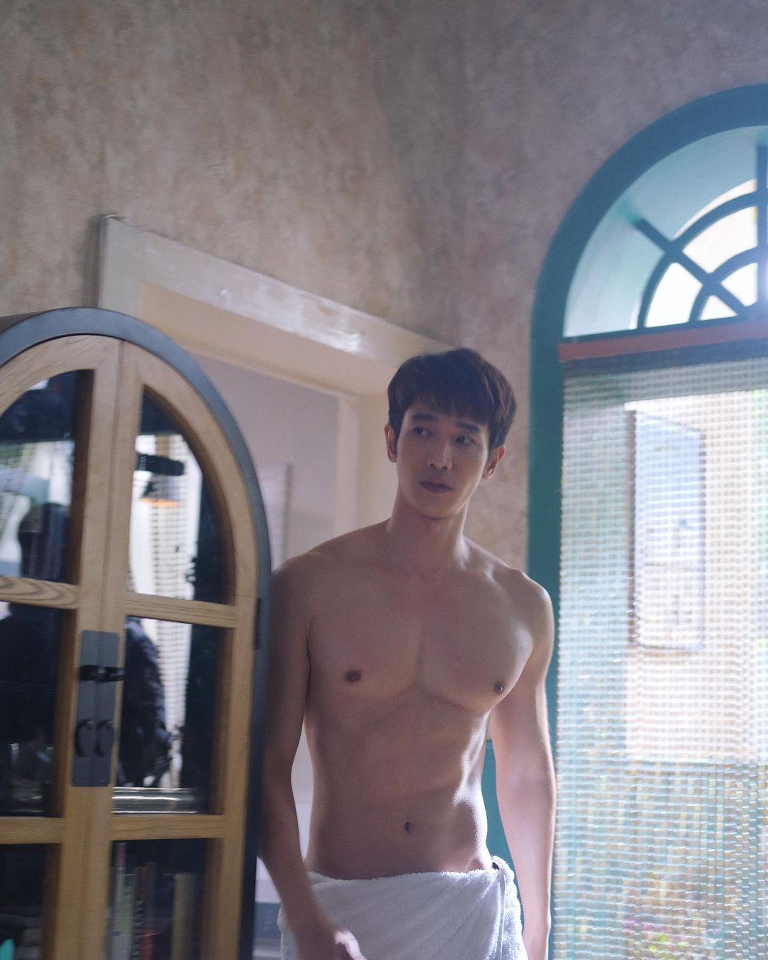 Jasper Liu Yi-hao Sexy (3 Photos)